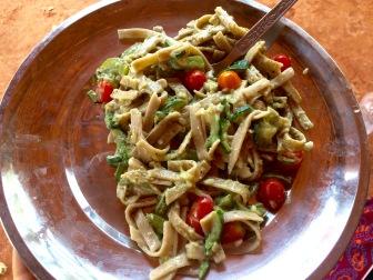 Spinach, Pesto & Tomato Fettuccine